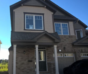 $1750/All Inc: 3 BR EXECUTIVE TOWNHOME, KANATA (RECENT BUILD)