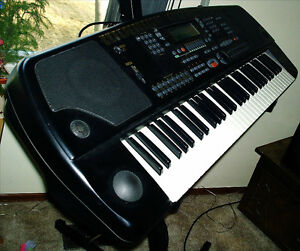 General Music WK-2 61 note arranger keyboard with HD