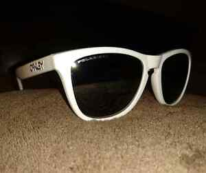 Oakley Frogskin Sunglasses with Polarized Lenses Peterborough Peterborough Area image 1