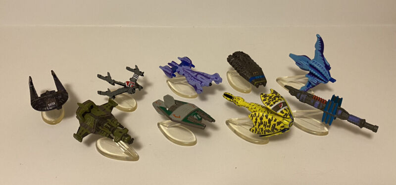 Lot of 9 - BABYLON 5 Micro Machines Ships With Stands