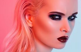 **WIN A FREE MAKEOVER & PHOTOSHOOT EXPERIENCE WITH 1-6X4 PRINT & GLASS OF CHAMPAGNE FOR FREE **