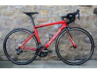 COST £3500. 2018 SPECIALIZED TARMAC EXPERT SL6 CARBON ROAD BIKE. ULTEGRA R8000. AS NEW. STUNNING
