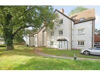 2 bedroom house in St James Place, Beauchamp Lane, Oxford