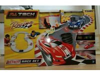 Deluxe Race Set - Tomy (Remote control car and track for 2 people)