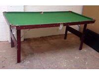 Pool table L:180cm x W:95cm x H:80cm