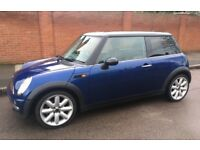 2003 MINI COOPER PANORAMIC ELECTRIC ROOF LEATHER TRIM STEREO SYSTEM WITH BLUE TOOTH AND AUX MINI