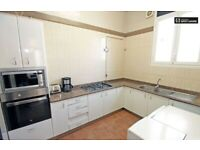 IMMEDIATE AVALIABILITY -DOUBLE ROOMS - BILLS INCLUDED-DSS ACCEPTED-FURNISHED