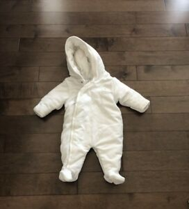 Gender neutral snowsuit