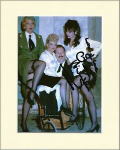 VICKI-MICHELLE-ALLO-ALLO-YVETTE-HAND-SIGNED-AUTOGRAPH-PHOTO-10X8-MOUNTED-COA