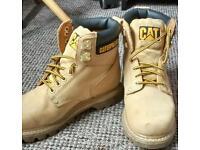 Ladies size 6 Cat boots.