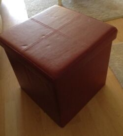 Storage stool / ottoman. Ideal lounge/ bedroom / conservatory etc £8