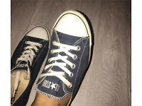 Thin style navy converse size 4