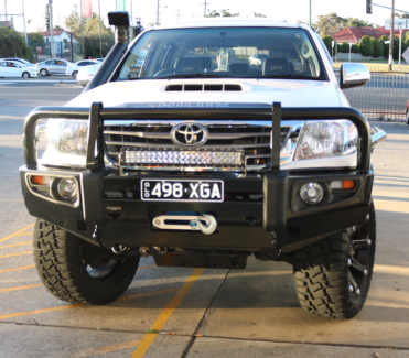 Toyota Hilux 05-14 Premium Bullbar with FREE FITTING