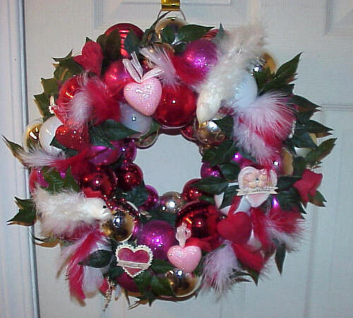 VALENTINE ORNAMENT WREATH RED,PINK,WHITE SIGNED MUST SEE