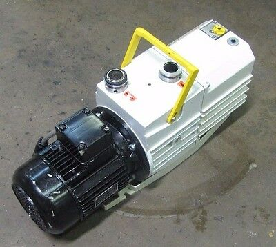 Pfeiffer Duo 010 M Pk D62 115 10 Mh 21kg .37kw .49hp 230400 3ph Vacuum Pump