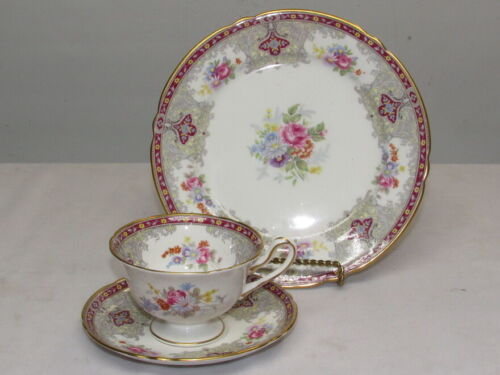 SHELLEY GEORGIAN TRIO DAINTY FOOTED CUP SAUCER PLATE  13361 MINT