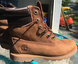 Ladies size 8 Timberland brand leather boots-$35