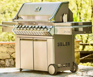 Long Weeknd (SALE) Napoleon BBQ (CASH&CARRY) FREE Delivery