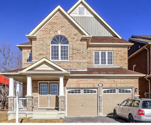 4 Bedroom and 3.5 bathroom Detached house for rent in oshawa