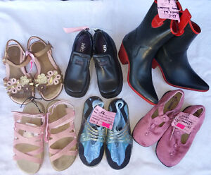 Girls Size Baby/ Infantst 5 - 12 Shoes, Sandal, Boots, Sneakers. London Ontario image 10