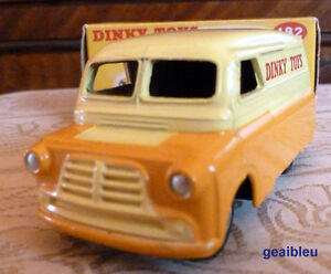 DIECAST 1/43 DINKY TOYS BEDFORD #482