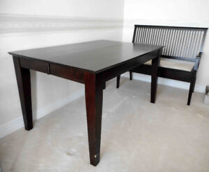 Solid Wood Dining table w/ leaves chairs, bench, good condition