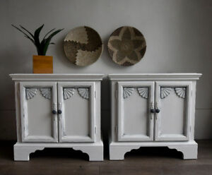 Pretty white End tables