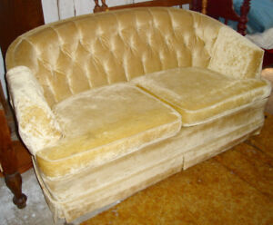 """ADORABLE """" LOVE SEAT""""- h"""