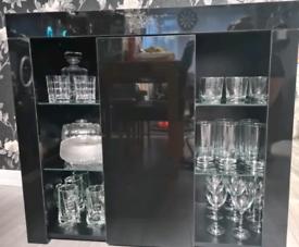 High gloss black cabinet