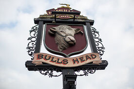 Full and Part Time Bar/ Waiting Staff - Up to £7.20 per hour - Bulls Head - Turnford, Hertfordshire
