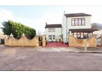 Stunning 4 Bedroom Detached House To Rent in Enfield Lock