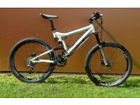 Giant VT2 Variable Travel Full Suspension Mountain Bike Stunning Condition