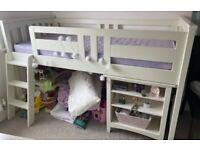Child's bedroom set