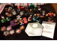 Playstation 3 Disney Infinity 1 with starter pack & 26 characters & 6 worlds
