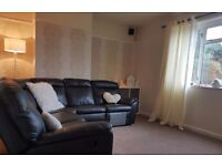 **mangotsfield large 3 bed parlour**