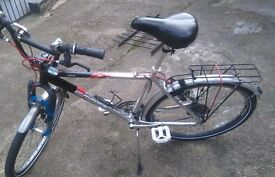 Scott Vail Hybrid Bike with 24 Gears