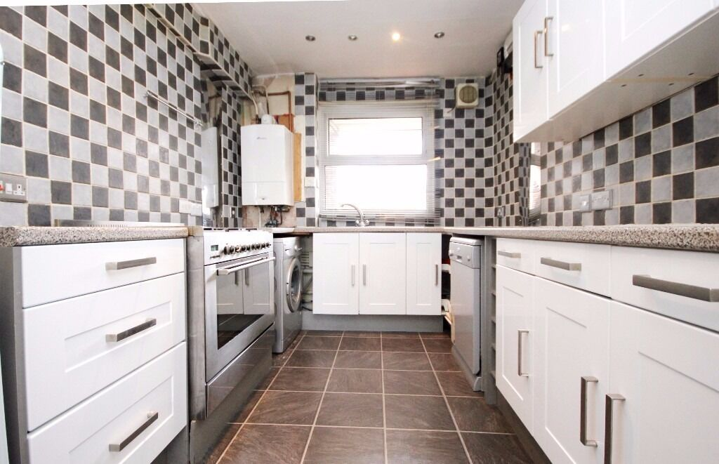 Split level three bedroom apartment located in N4 Finsbury Park available now!!