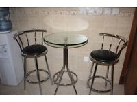 Glass and chrome table with 2 bar chairs - vgc