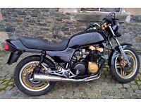 1984 HONDA CB750 FD - VERY NICE BLACK/GOLD PAINT SCHEME - 27000 MILES - SERVICED - 12 MTH MOT