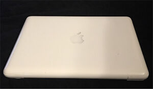 "MacBook 13"" 2011 White Unibody - FOR PARTS"