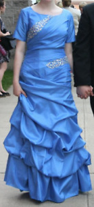 Ladies Beautiful Modest Prom Dress - Size 4/6 Small