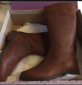 Girls Clarke's boots
