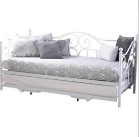 Brand New Madison Day Bed With Trundle (exc mattress)
