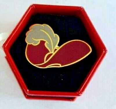 Captain Hook 2003 Hat Box Disney Pin in Original Hat Box](Disney Captain Hook Hat)