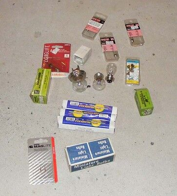 A539 Lot of Misc. Bulbs and Fuses NOS