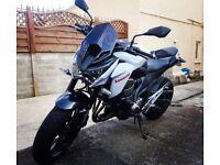 Kawasaki ZR800 Motorbike 2014 (14)