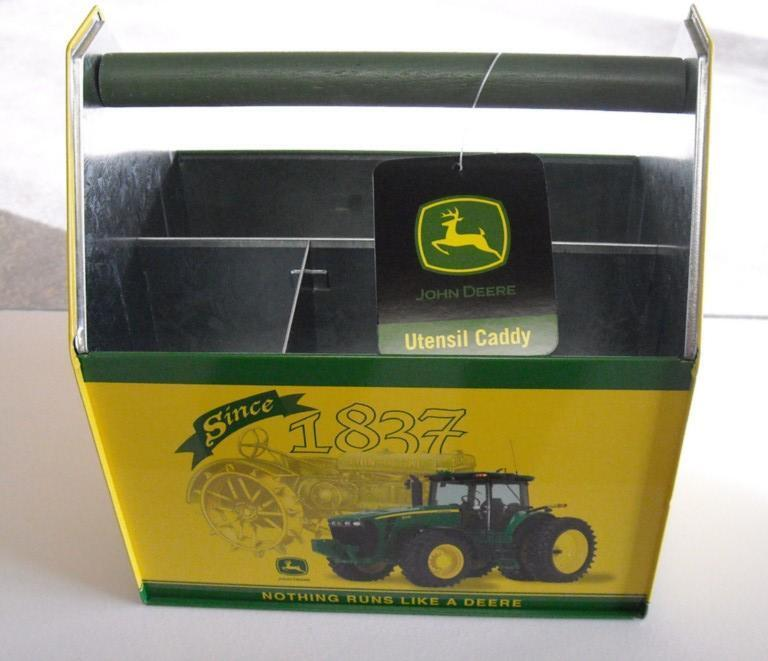2008-NEW OLD STOCK JOHN DEERE TIN UTENSIL / SEWING CADDY-GREAT COLLECT ITEM (a)