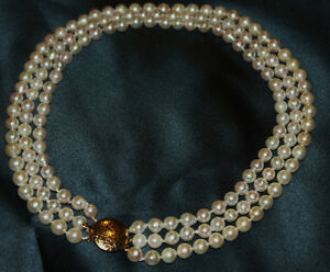 Beautiful 3-strand salt-water pearl necklace - NEW