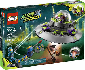 Brand New Lego Alien Conquest UFO Abduction 7052