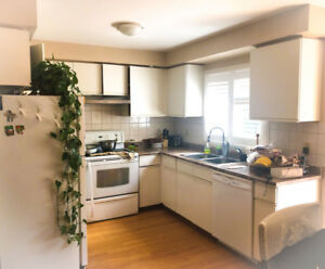 1 FURNISHED ROOM CLOSE TO SQUARE ONE - FEMALES ONLY